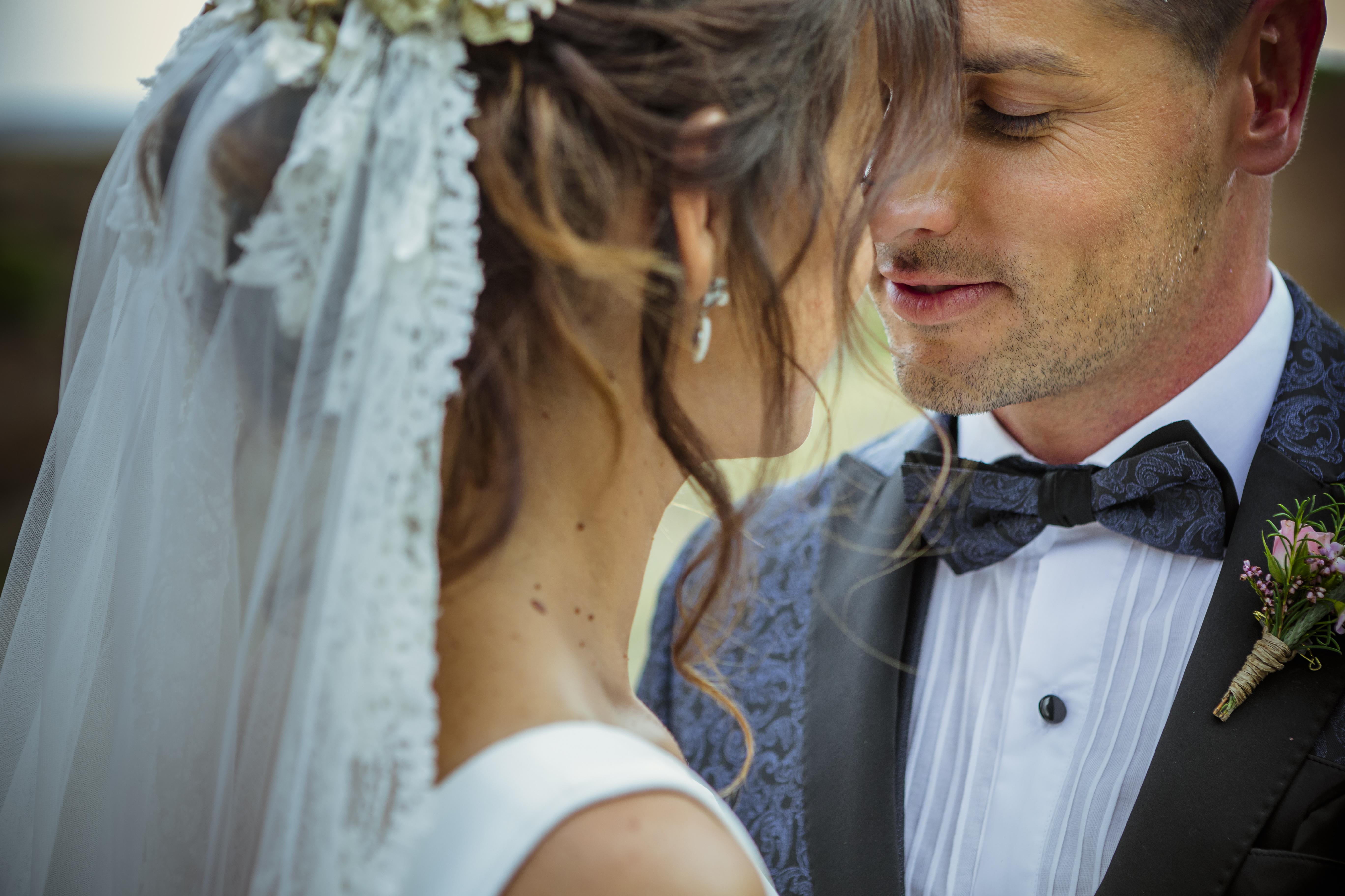 mandarina wedding, fotografos de boda, fotoperiodismo de boda, mejores fotografos de boda, bodas soria, bodas pirineo, bodas Madrid, fotógrafo daroca_25