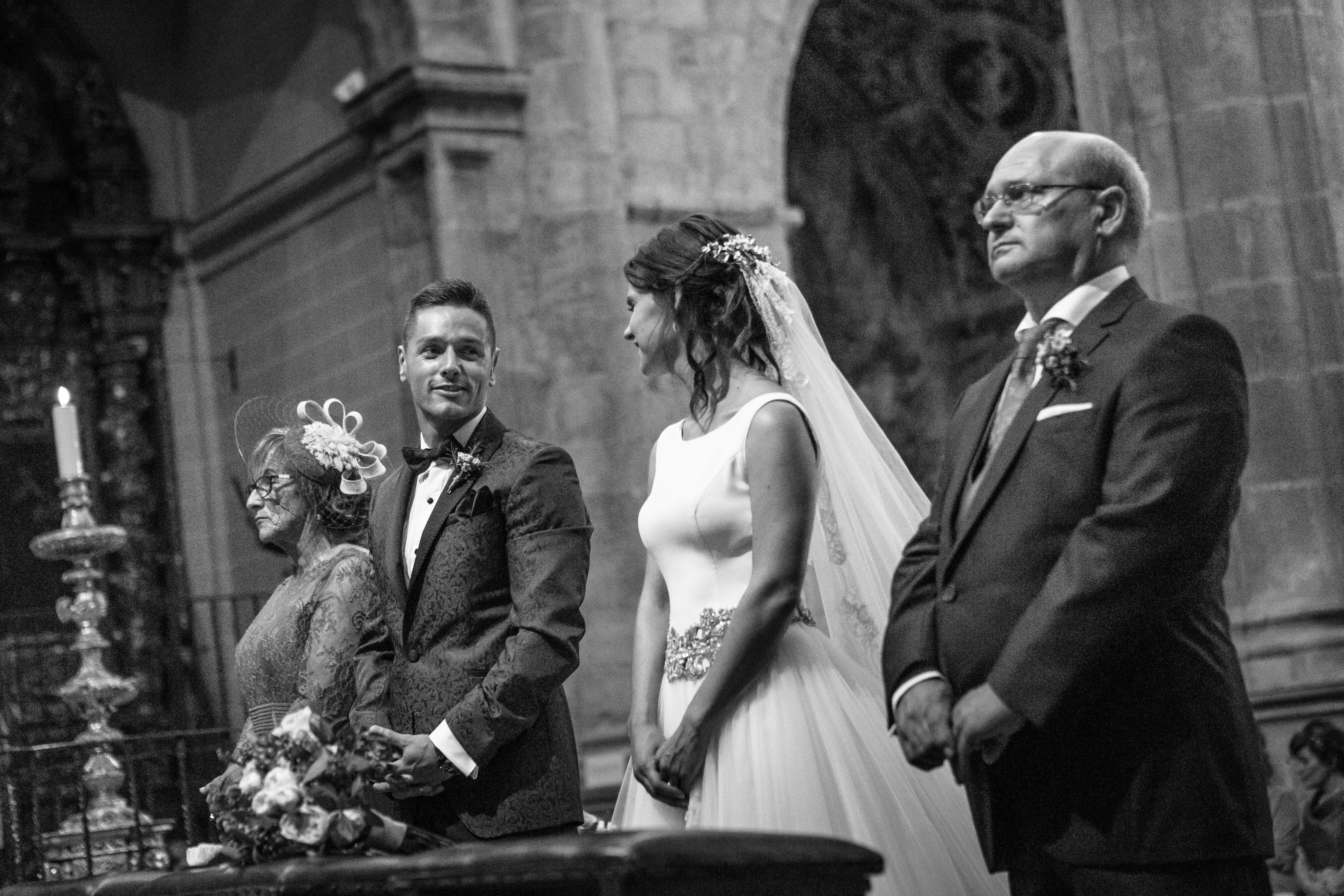 mandarina wedding, fotografos de boda, fotoperiodismo de boda, mejores fotografos de boda, bodas soria, bodas pirineo, bodas Madrid, fotógrafo daroca_31