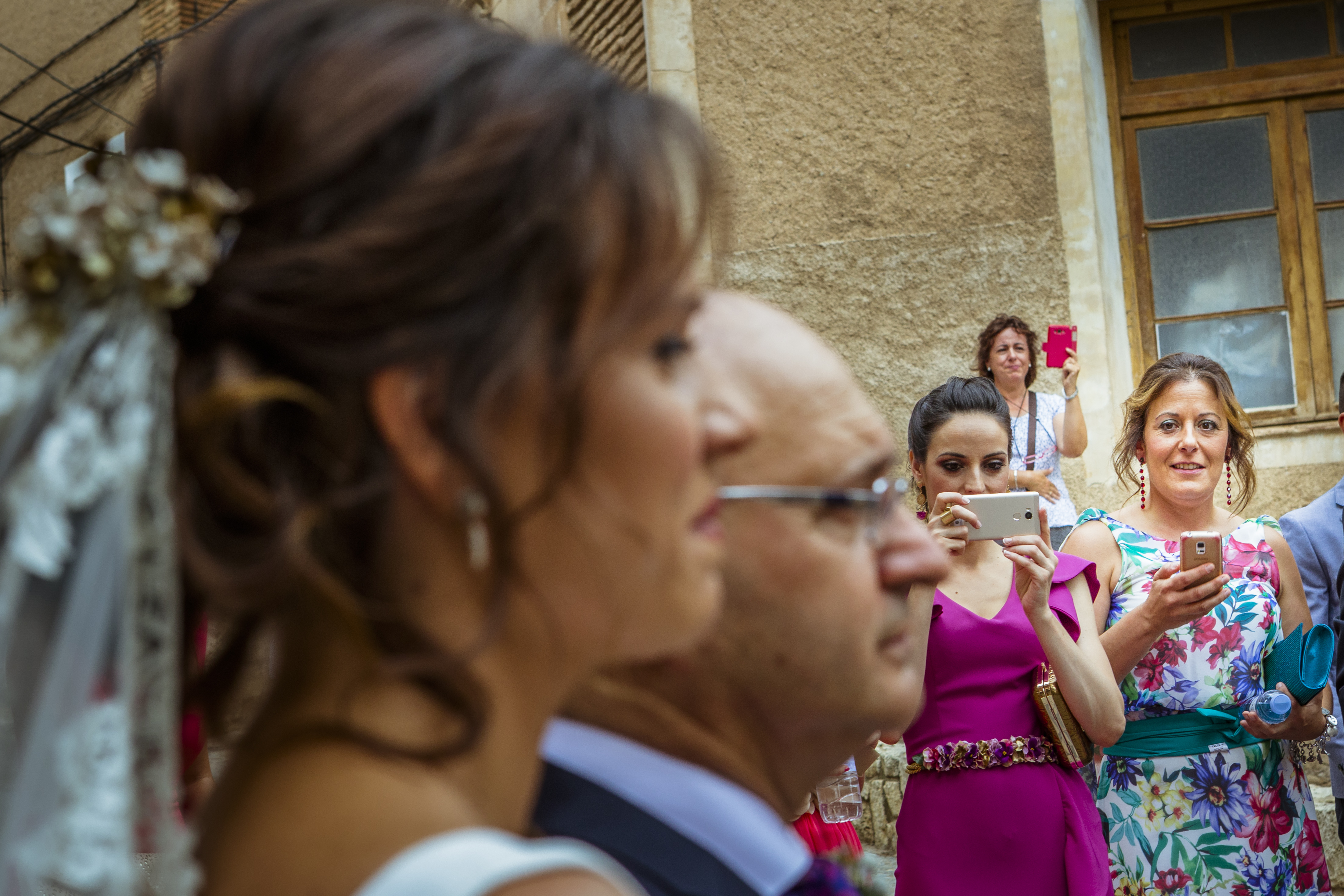 mandarina wedding, fotografos de boda, fotoperiodismo de boda, mejores fotografos de boda, bodas soria, bodas pirineo, bodas Madrid, fotógrafo daroca_33