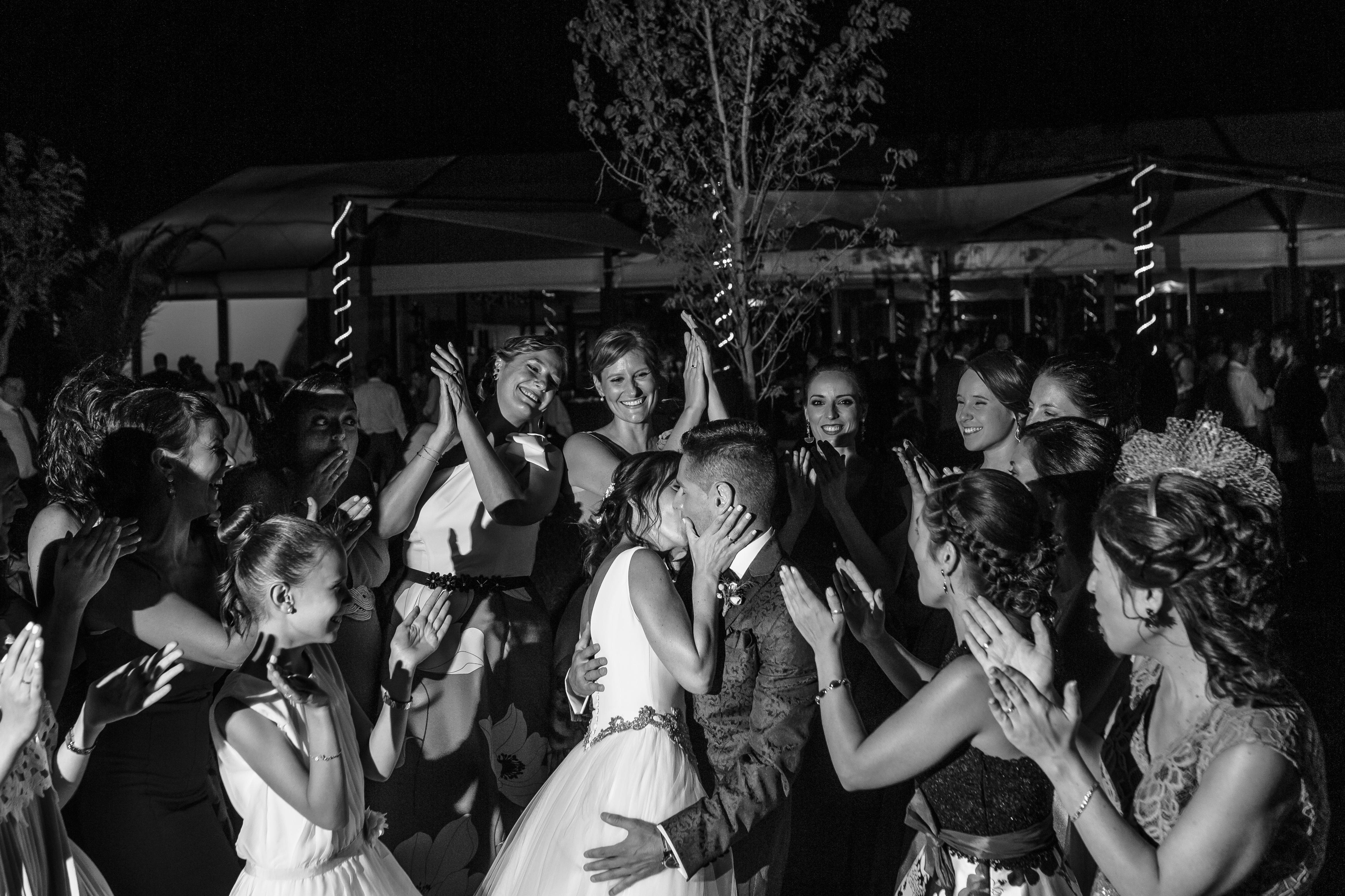 mandarina wedding, fotografos de boda, fotoperiodismo de boda, mejores fotografos de boda, bodas soria, bodas pirineo, bodas Madrid, fotógrafo daroca_36